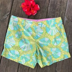 Lilly Pulitzer Callahan Shorts On The Half Shell 4